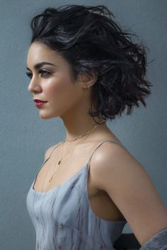 2018 Curly Bob Hairstyles for Women – 17 Perfect Short Hair Inspiration – Latest Hairstyles Fashionable 2018 curly bob hairstyles for short hair: 2018 curly bob hairstyles are the main decoration for every girl,. Bob Hairstyles 2018, Undercut Hairstyles, Trendy Hairstyles, Bob Haircuts, Medium Haircuts, Estilo Vanessa Hudgens, Vanessa Hudgens Style, Hair 2018, Short Hair Cuts