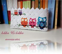 sweet owl bag!!!Hand made purse, eco friendly, made out of reused paper.