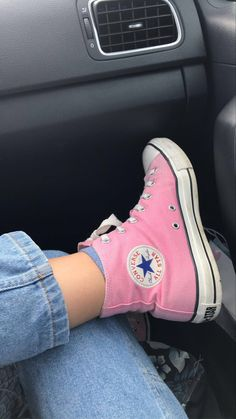 Pink High Top Converse, High Top Converse Outfits, High Top Sneakers, Colored Converse, Orange Converse, Mode Converse, Converse Shoes, Swag Style, Zapatillas Nike Air