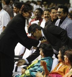 A treasured moment - Tamil superstar Ajith Kumar, who was seen in a cameo in 'English Vinglish', touches Amitabh Bachchan's feet. #Bollywood #Kollywood #Movies