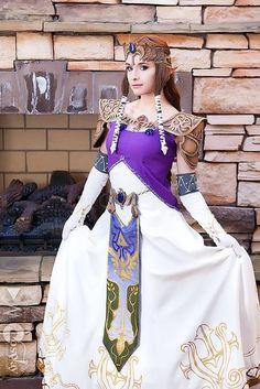 Lifelike Zelda cosplay photo by Darkain Multimedia #zeldacosplay #cosplayclass #thelegendofzelda