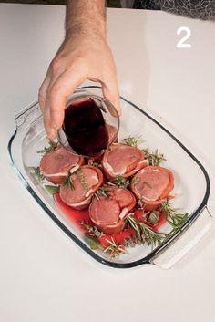 Filetto di maiale in crosta di speck con funghi e patate   Magpedia Chef Recipes, Meat Recipes, Italian Recipes, Healthy Recipes, Pork Fillet, Eat Smart, Food Hacks, Food Dishes, Food Inspiration