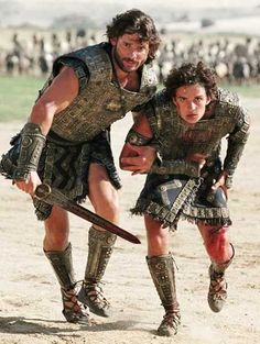 I forgot how much I like Eric Bana. Men of Troy in kilts (Eric Bana & Orlando Bloom) Troy Film, Troy Movie, Movie Scene, Brad Pitt Troy, Eric Bana, Orlando Bloom, Greek Men, The Legend Of Heroes, Pride And Prejudice