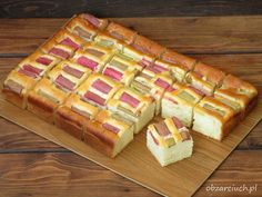 Szybkie i pulchne ciasto z rabarbarem Waffles, Food And Drink, Apple, Baking, Drinks, Breakfast, Impreza, Sweets, Cuba