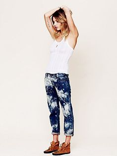 Bleach Splatter Boyfriend Jean http://www.freepeople.com/whats-new/bleach-splatter-boyfriend-jean/