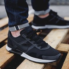 Nike air pegasus black
