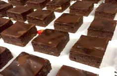 Kokken Thomas Lillerøj er blandt andet kendt for sine brownies, og her får du opskriften, så du kan forsøge at gøre ham kunsten efter. Brownies er altid populære, og her får opskriften på de bedste…