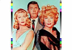 """The episode of ABC's classic sitcom """"Bewitched,"""" starring Elizabeth Montgomery, Dick York and Agnes Moorehead, aired on this date in The comedy series would continue on the network until Photo from the L. Robert Montgomery, Agnes Moorehead, Dean Martin, Flash Tv, Bewitched Tv Show, Endora Bewitched, Bewitched Elizabeth Montgomery, La Saga Harry Potter, Mejores Series Tv"""