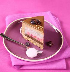 Чернично-яблочный торт с молочным шоколадом и корицей