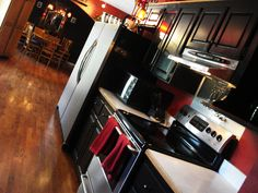 64 Amazing Black And Red Kitchen Decor Ideas Suitable For You Who Loves Cooking Round