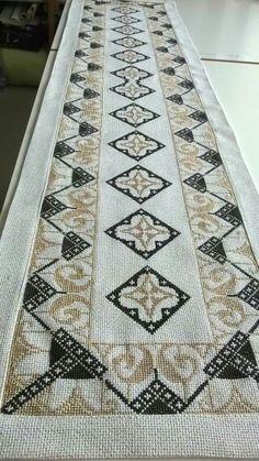 Cross Stitch Embroidery, Diy And Crafts, Elsa, Rugs, Hgtv, Colors, Decor, Cross Stitch, Punto De Cruz