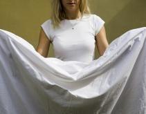 piegare un lenzuolo con gli angoli