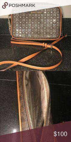 95f43ef1d408a2 ✨VERY RARE MICHEAL KORS CROSSBODY BAG✨ Brown and tan Michael Kors bag with  gold