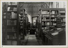 Gouda: Gasthuiskapel - Geheugen van Nederland Gouda, Black And White, Books, Home Decor, Vintage, Libros, Decoration Home, Black N White, Room Decor