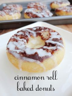 Confections + Coffee: Cinnamon Roll Baked Donuts YES! Baked Donut Recipes, Baked Doughnuts, Donuts Donuts, Baked Breakfast Recipes, Breakfast Healthy, Sweet Breakfast, Delicious Donuts, Delicious Desserts, Dessert Recipes