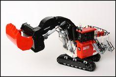 Digging deep with a motorized LEGO Technic Bucyrus RH400 Mining Shovel [Video]
