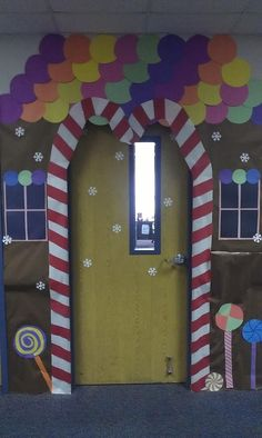 decorating ideas for preschool classroom—– I'm sorry, but is this not disturbing to anyone else? In the story, the old lady who lives in the gingerbread house EATS the children! Who puts this up as the theme for their classroom? Christmas Bulletin Boards, Christmas Classroom Door, Christmas Door Decorations, Preschool Christmas, Preschool Classroom, In Kindergarten, Classroom Decor, Diy Christmas, Desk Decorations