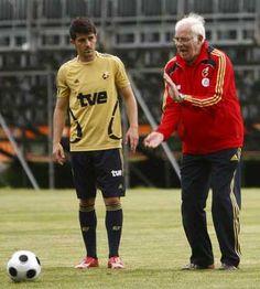 "David ""Guaje"" Villa David Villa, Running, Sports, Tops, Hs Sports, Keep Running, Why I Run, Sport"