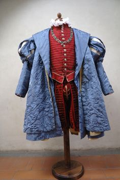 Renaissance Clothing, Medieval Fashion, Steampunk Clothing, Steampunk Fashion, Gothic Fashion, Fashion Art, Italian Renaissance, Gothic Steampunk, Victorian Gothic