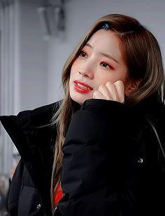 don't worry, be fancy✨ Kpop Girl Groups, Korean Girl Groups, Nayeon, K Pop, Gif Kpop, Twice Members Profile, Twice Album, Twice Once, Twice Dahyun