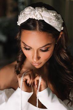 Bride Headband, Turban Headbands, Wedding Headband, Headband Hairstyles, Wedding Hairstyles, Turbans, Mode Turban, Diy Wedding Hair, Bridal Hair Flowers