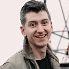 Alex Turner Cute, Alex Arctic Monkeys, The Last Shadow Puppets, Genuine Smile, Harry Styles Pictures, Edward Styles, Dream Guy, Celebrity Crush, Famous People