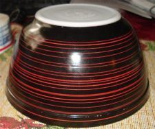 VINTAGE PYREX MIXING BOWL, RED & BLACK STRIPED, VERY RARE COLORS #402, 1 1/2 QT