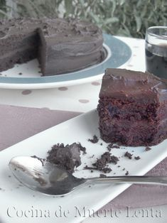 Devil's Food Cake (receta de Martha Stewart) - Cocina de Muerte Lenta Cake Receta, Desserts, Food, Martha Stewart Recipes, Food Cakes, Deserts, Vegetarian Recipes, Vegan, Death