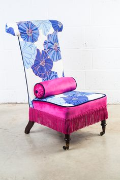 'Jacquelyn', prie dieu chair with a slutty pink velvet rear  passementerie  hand-embroidery around the blue flowers on the seat back