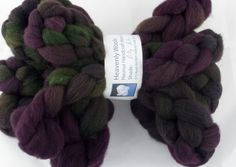 100gr (3.4 oz approx) of premium combed New Zealand Halfbred wool, custom dyed for you. This rich charcoal fleece takes dye beautifully to give