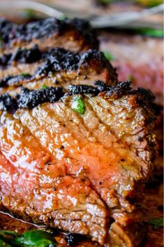 How To Cook Tri Tip (Grilled Or Oven Roasted) if you hāve never hād tri tip, you hāven't lived! I will show you how to cook tri tip on the grill or in the oven, it's SO eāsy ānd the flāvor is unbeātāble! We ālwāys hād tri tip for Christmās dinner growing Tri Tip Oven, Oven Roasted Tri Tip, Tri Tip Grill, Beef Tri Tip, Beef Recipes For Dinner, Barbecue Recipes, Grilling Recipes, Cooking Recipes, Weeknight Recipes