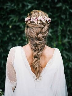 Pelayo Lacazette Tocados Le Touquet | long thick boho bohemian braid with a flowercrown