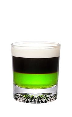 Picture of Midori Buzz Shot. The Midori Buzz Shot is made from Midori melon liqueur, espresso and cream, and served in a chilled shot glass. Cocktail Drinks, Fun Drinks, Yummy Drinks, Cocktail Recipes, Alcoholic Drinks, Coconut Rum Drinks, Midori Melon, Famous Cocktails, Espresso And Cream
