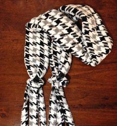 Super simple fleece scarf - Craftfoxes