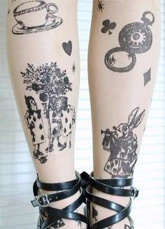 Meia  calça Tattoo Alice No País Das Maravilhas