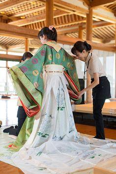 Traditional Kimono, Traditional Fashion, Traditional Outfits, Heian Era, Heian Period, Japanese Temple, Japanese Geisha, Japanese Festival, Japanese Landscape