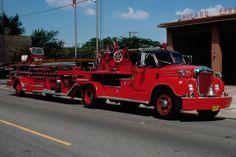 Chicago Fire Department, Fire Dept, Fire Equipment, Fire Apparatus, Emergency Vehicles, Fire Engine, Fire Trucks, Firefighter, Ladders