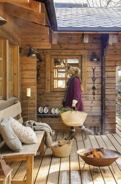 Dreamy rustic cabin in the middle of a Spanish forest Verträumte rustikale Hütte mitten in einem spa Rustic Home Interiors, Rustic Home Design, Home Interior Design, Interior Ideas, Modern Interior, Cabin Homes, Log Homes, Porche Chalet, Wooden Cabins