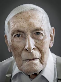 Today, we will be taking a look at a project done by photographer Karsten Thormaehlen, that explores old age via the faces of people that have lived through what is one of -if not the most- eventful centuries in human history. Photography Projects, People Photography, Portrait Photography, Old Age Makeup, Old Faces, Close Up Portraits, Interesting Faces, Man Photo, Studio Portraits