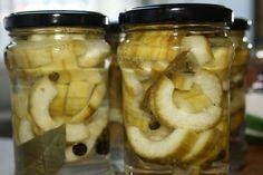 Gurken süß-sauer – Backsbeern.com Cucumber Recipes, Jamie Oliver, Pickles, Mason Jars, Food And Drink, Mozzarella, Survival, Preserve, Syrup