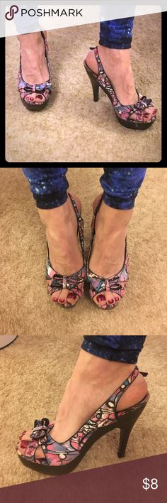 Charlotte Russe slingback heels Peep toes with cute bows on the top, multi colored fabric and wood bases in good used condition. Charlotte Russe Shoes Heels