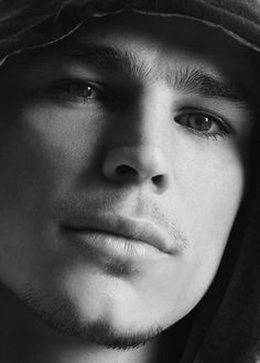 Josh Hartnett... ohmy! Those eyes!  Love him!  He will return!!!! On tv  Show time penny dreadful May 11th