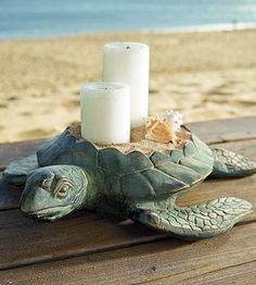 An ancient soul of the sea, the sea turtle brings stately grace to a chat table as he hosts your favorite candles.