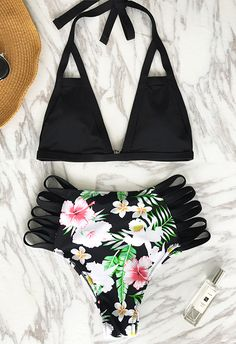 Any bathing suits your friends recommend for swimming? Cupshe gives you the best-quality bikini set. Join in the cool water sports now! This pretty features supportive back hook closure and hot strappy design. Free shipping~ More heated bikinis saved for you at Cupshe.com !