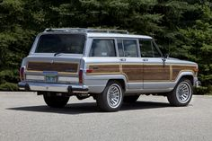 Jeep Grand Wagoneer (1987)