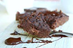 Healthy peanut butter mud cake - low carb, gluten free, no sugar added - Smal jordnötskladdkaka