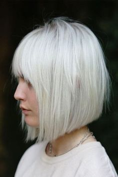 Best Hairstyles & Haircuts for Women in 2017 / 2018 : 18 Stylish Medium Bob Haircuts Ideas for Fast Beautiful Look ★ Straight Medium… Straight Bob Haircut, Bob Haircut With Bangs, Straight Hairstyles, Bob With Fringe Bangs, Page Haircut, Classic Bob Haircut, Haircut Style, Straight Cut, Bob Haircuts For Women
