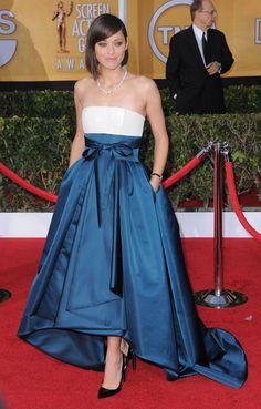 Tout en blanc, j'imagine bien cette robe en robe de mariée !  Le tapis rouge des SAG Awards 2013