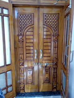 Wooden Front Door Design, Main Entrance Door Design, Wooden Front Doors, House Front Design, Door Design Images, Lcd Panel Design, Model House Plan, Village House Design, Ceiling Design Living Room