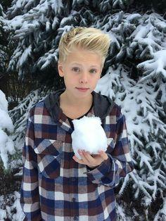 Sup!! I'm Carson!!! I'm 15 and single!! I make musical.lys!!!!! I love to Skateboard!! Mark and Jacob are my boi's!!!!!
